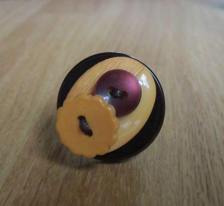Bague boutons fantaisie marron et jaune : Bague par natu-recup
