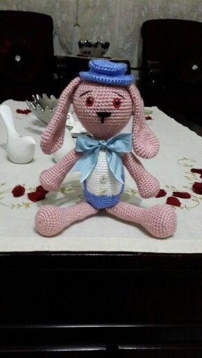 Amigurumi sevimli tavşan