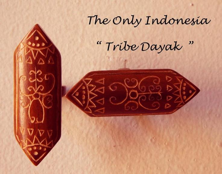 """TRIBE DAYAK    """" Dayak suku asli Kalimantan yang memiliki arti orang yang tinggal di hulu sungai. Suku Dayak memiliki budaya yang unik dan memberi ciri khusus pada setiap komunitasnya """"    Come visit and see my collection http://unuistore.blogspot.com/"""