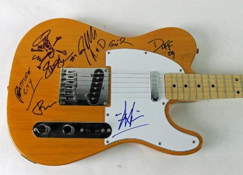 GUNS N' ROSES (5) SLASH, AXL, DUFF, ADLER & IZZY SIGNED GUITAR W/ SKETCH CERTIFICATE OF AUTHENTICITY PSA/DNA #V10765. Slash, Axl, Duff, Adler & Izzy Signed Guitar W/ Sketch Psa V10765. Guns N' Roses.