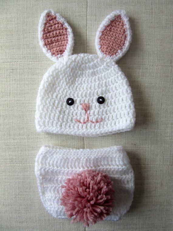Es también un sombrero de primavera lindo para baby shower. El sombrero  blanco tiene orejas ... 2e8143350ced2