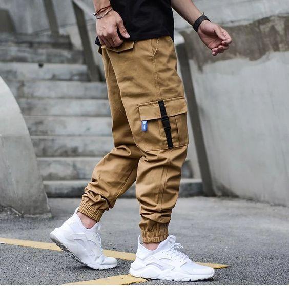 Macho Moda - Blog de Moda Masculina: MODA MASCULINA INVERNO 2020 - As 5 Tendências mais Quentes do momento! Jogger Pants Jeans, Cargo Pants Men, Men's Jeans, Pants For Men, Suit Pants, Pant Shirt, Women Pants, Streetwear Mode, Streetwear Fashion