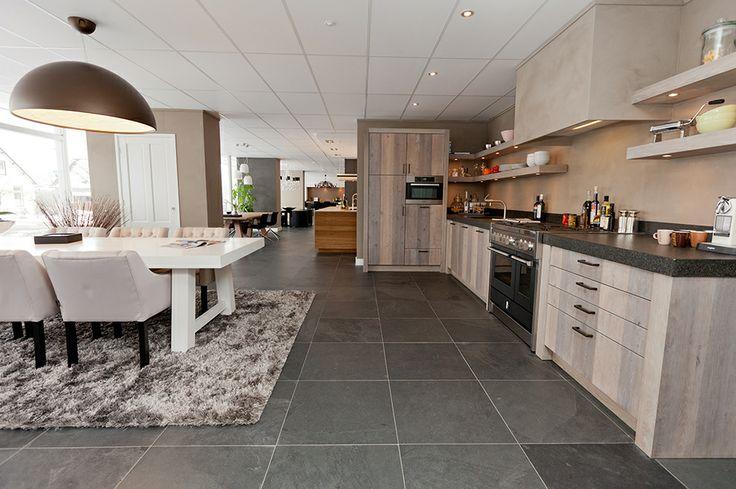 Natuursteen vloer van nibo stone maatwerk keuken van for Interieur 607