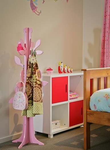 Love this 'tree' for the little girls room-bags & special hats!