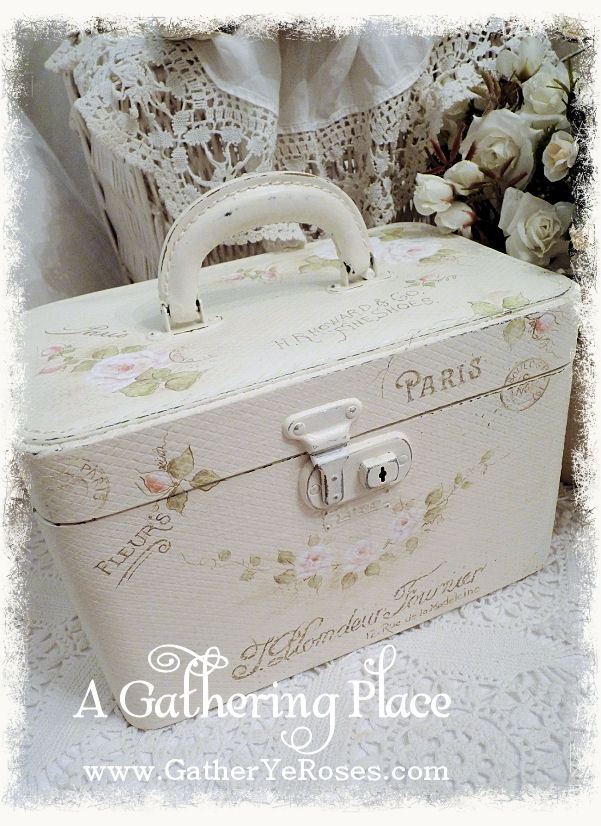 ~OOH LA LA!!! FRENCH WHITE REFURBISHED TRAIN CASE~