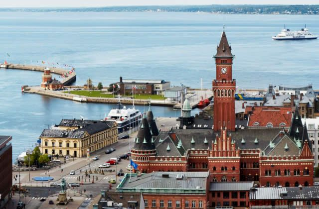 Helsingborg - the city that connects Sweden with Europe. Watch: http://destinations-for-travelers.blogspot.com.br/2015/08/helsingborg-sweden-suecia.html