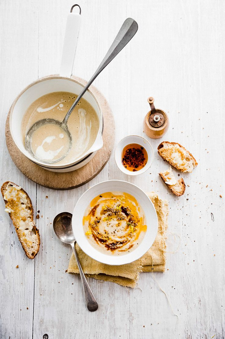 Schorsenerensoep met mosterd-chiliboter, klik op de link voor het volledige recept.
