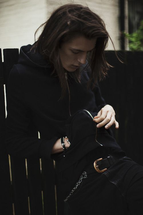 boys-with-long-hair: boys-with-long-hair My blog will make you smile♡