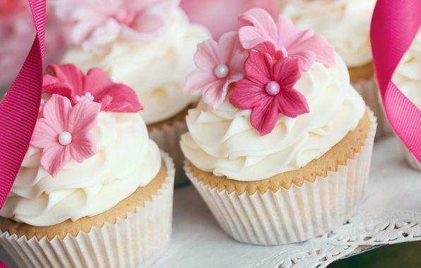 Обои картинки фото кексы, крем, украшения, цветы, сладкое
