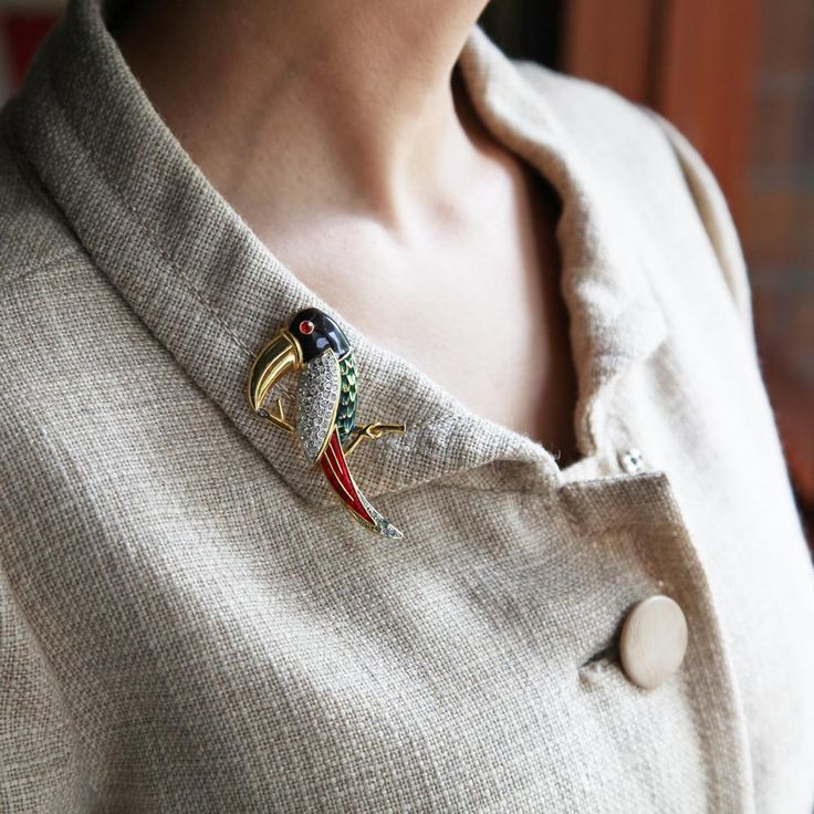 Vintage Toucan Bird Brooch (gold) / ヴィンテージブローチ