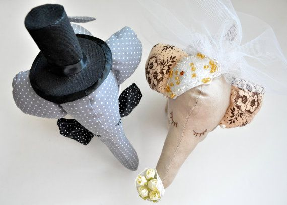Bride and Groom Elephant CoupleWedding gift/decoration by penhands, €40.00