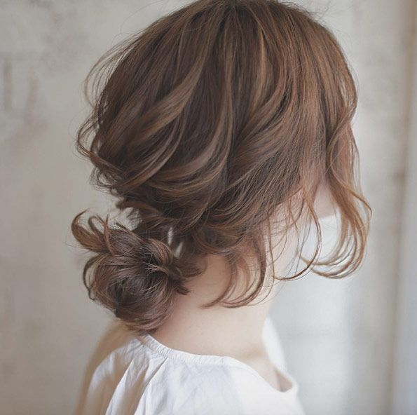 Loose wavy bun by Tanimoto Shouta