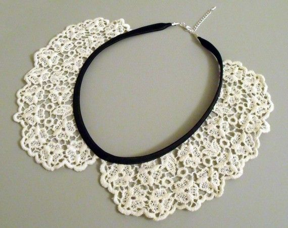 A lovely handmade lace peter pan collar necklace, perfect for dressing up all kinds of shirts and dresses. Add an instant vintage feel to any outfit with
