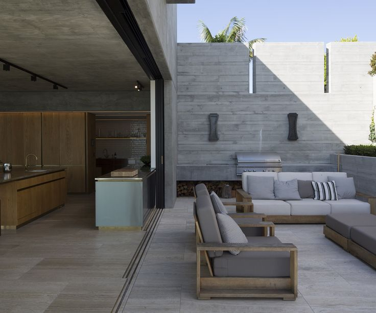 A luxurious new-build by Julian Guthrie - Homes To Love