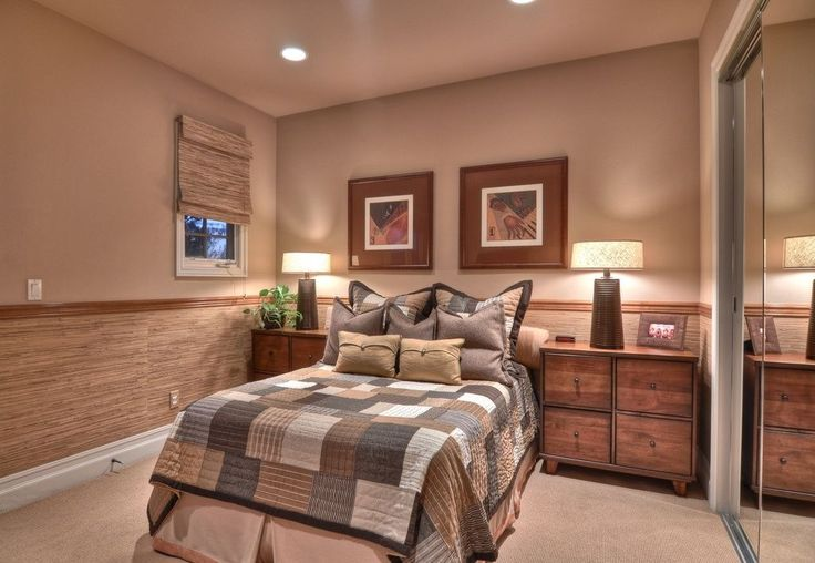 Cottage Guest Bedroom with Chair rail, Ceiling fan, Rustique Bamboo 54-inch Long Roman Shade, Iron Table Lamp, Carpet