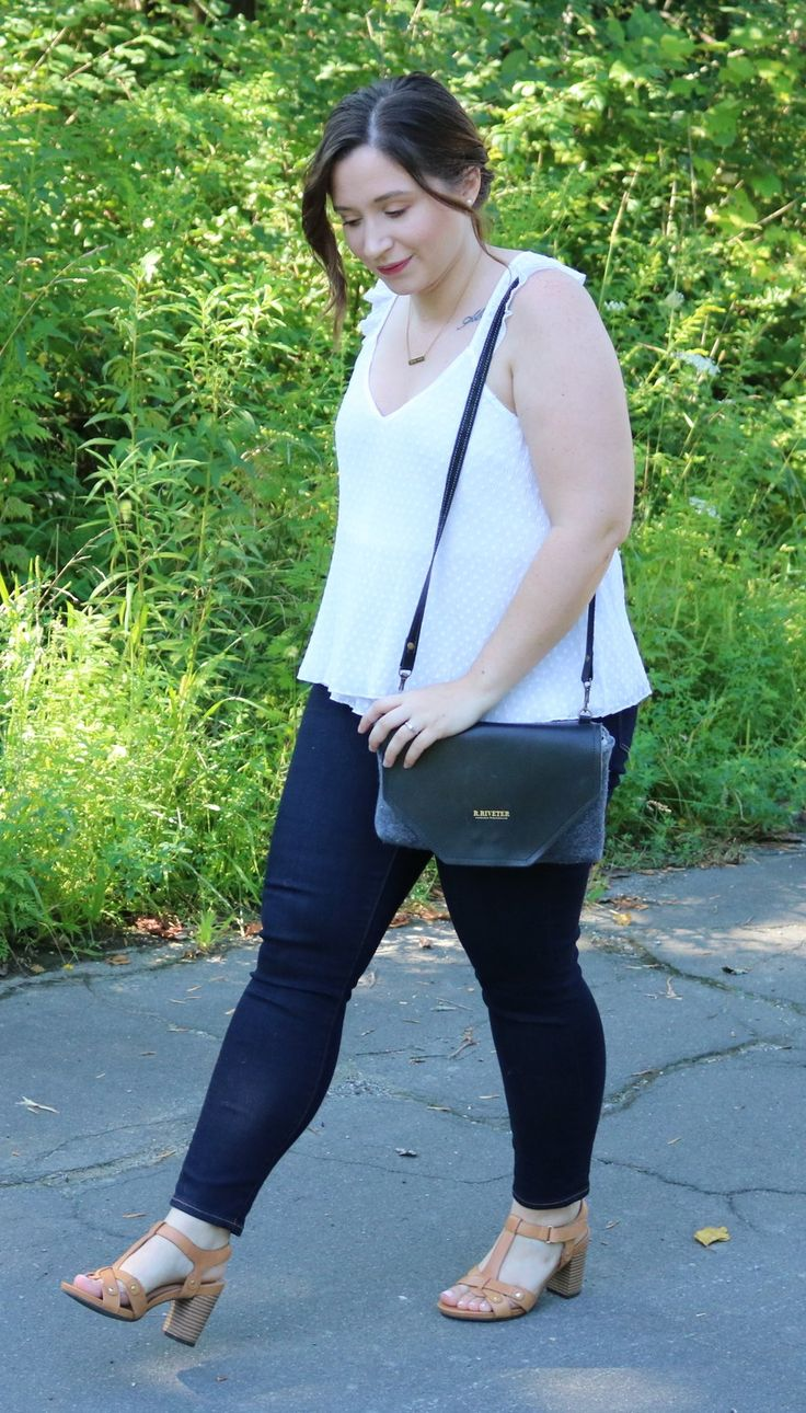 Today's Happy Hour on Darrian Michelle is all about my connection with R. Riveter handbags and why I'm proud to support their brand.  r. riveter handbags, #bagsonamission, r. riveter brand amabassador, r. riveter patton crossbody, r. riveter usma wool bag,