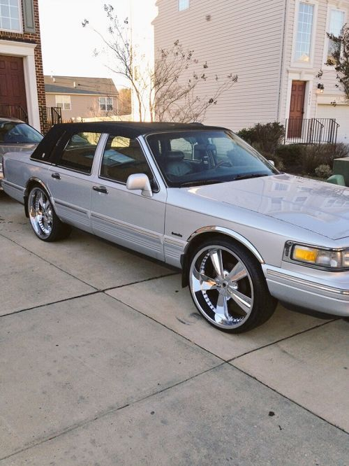 1997 Lincoln Town Car - Lexington Park, MD #3665643385 Oncedriven