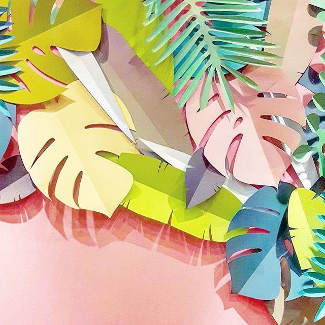 feuilles en papier colorées - une touche d'exotisme dans la déco