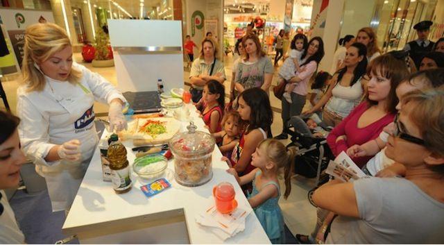 Μαγειρική, διασκέδαση, γνώσεις. Η εκστρατεία της Chicco για την ενημέρωση των νέων μαμάδων για την σωστή παιδική διατροφή, τα έχει όλα!!!  Με μεγάλη επιτυχία, πραγματοποιήθ