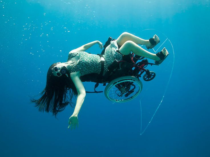 Sue Austin: Deep sea diving ... in a wheelchair via TED. (starts around at 03.49) All I can say is WOW!!! Beautiful!!!