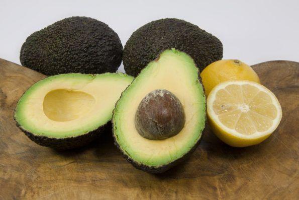 Avocado ist nicht gesund und viel zu fettig? So ein Quatsch! Alles was du immer schon mal über die Avocado wissen solltest findest du hier!