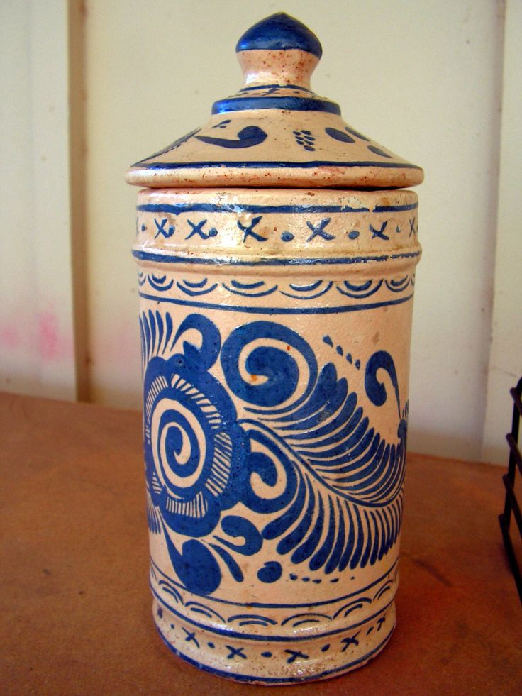Early Mexican Talavera Pottery Jar Lidded Puebla Majolica Blue Yellow