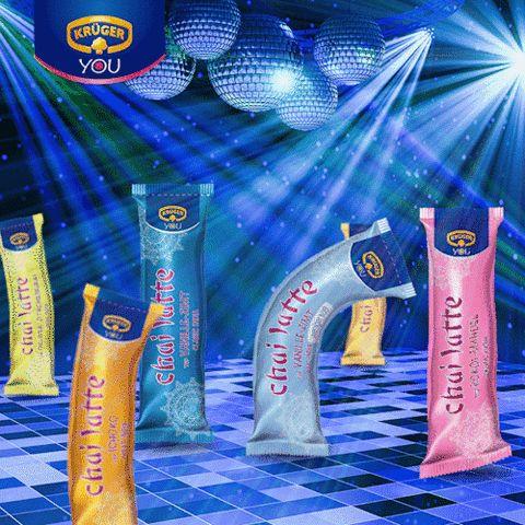 dancing party disco tanzen krueger silvester spass feiern chai latte abtanzen #gif from #giphy