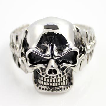 """50mm Large Skull Head Stainless Steel Silver Independent Chopper Spine Cuff Bracelet (3"""" Inch Diameter Opening) THE ICE EMPIRE. $24.95. FIT: HARDEN SOLID HEAVY STAINLESS STEL. STYLE: 50MM LARGE INDEPENDENT SKULL HEAD. CUFF WIDEST OPENING DIAMETER: 3in. A MUST HAVE FOR ANY BRACELET COLLECTON!. METAL: 316L STAINLESS STEEL"""