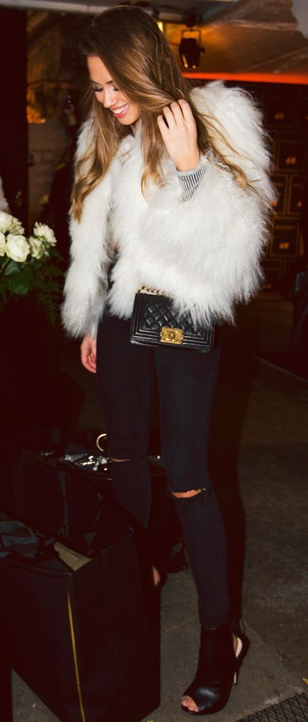 White Faux Fur Jacket Fall Street Style Inspo #Fashionistas