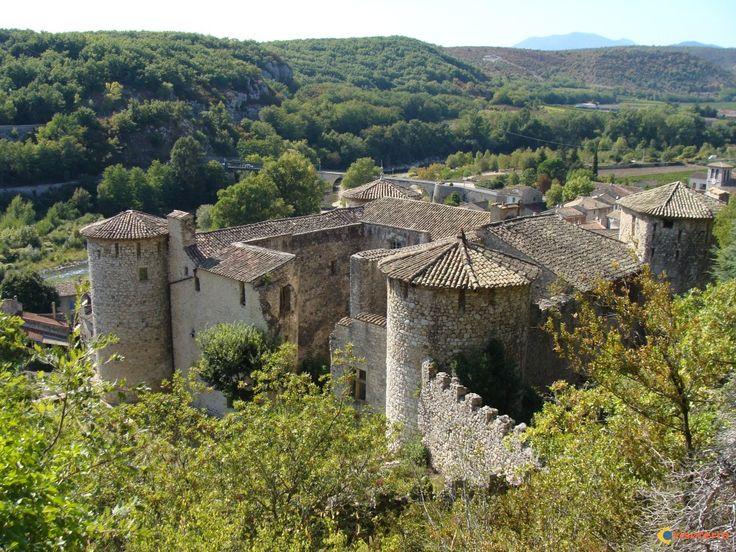 Vogüé: Chateau de Vogüé - Ardèche, Rhône Alpes, France