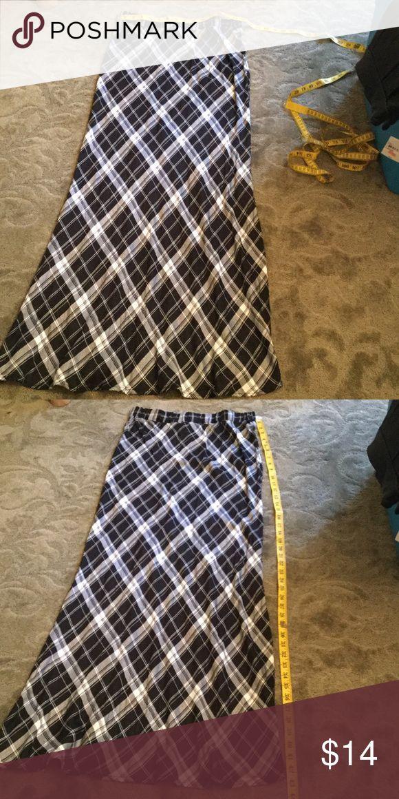 Skirt Plaid blk n white maxi, slim fit Skirts Maxi