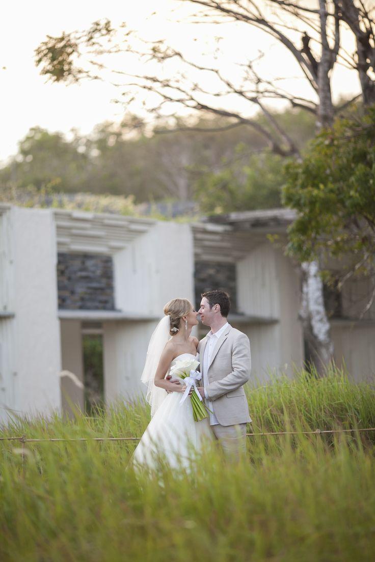 #weddingphotography #weddings #baliweddings #destinationweddings #alilavillasuluwatu #weddingphotographer