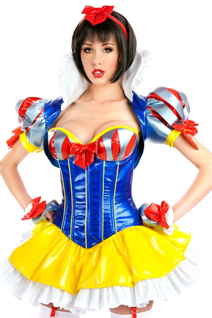 supermodels in sexy snow white costumes