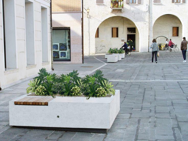 DEMETRA bench and planter. #Bellitalia concreta and marble street furniture.