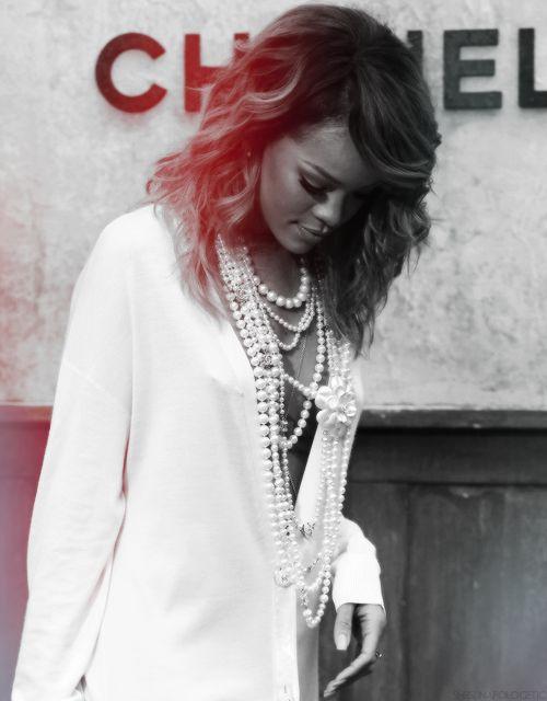 Rihanna & pearls