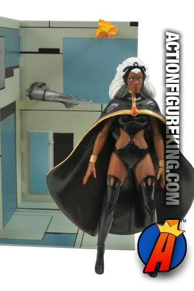 This amazing Storm figure is ripped right from the pages of the New X-Men. Fully articulated and 7-inches tall from Marvel Select and Diamond. #storm #xmen #marvelselect #actionfigure