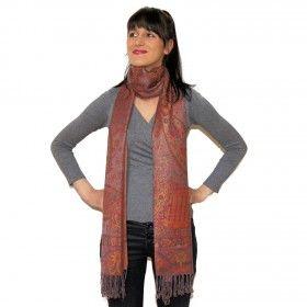Echarpe indienne douce et soyeuse agréable à porter disponible sur http://www.merabarata.fr/les-jamavars/456-chale-jamavar-brun-orange.html