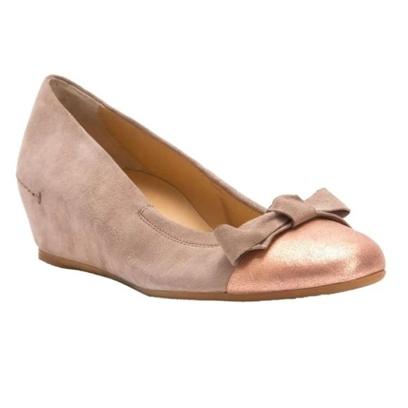 Paul Green Reanna Taupe Wedges Worn twice, no signs of wear. Classic Paul Green wedge, stylish and very comfortable. Paul Green Shoes