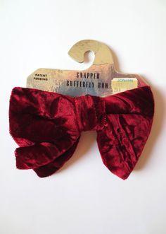 Картинки по запросу Burgundy Velvet Mens bow tie Bordo Bowtie Velvet bow tie - Mens bowtie - Pre tied bow tie - Preppy bow tie
