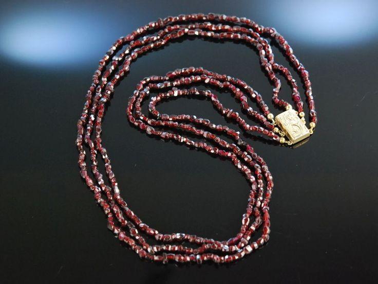 Zur Tracht! Antike Granat Kette Collier 3reihig Böhmen um 1850 Antique Garnet Necklace, schöner Granat Schmuck bei Die Halsbandaffaire