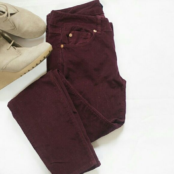 """☆1 HOUR SALE☆ Burgundy Corduroy Skinny Jeans I love the color of these pants ! Everyone should own atleast one pair of burgundy/maroon pants...especially corduroys ! This pair of Blue Saks Fifth Avenue pants are in super great gently worn condition. Waist 13.5"""", length 38"""", inseam 32"""". BLUE Saks Fifth Avenue Pants Skinny"""