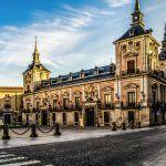 Vuelos a Madrid y recorrido por el barrio de los Austrias