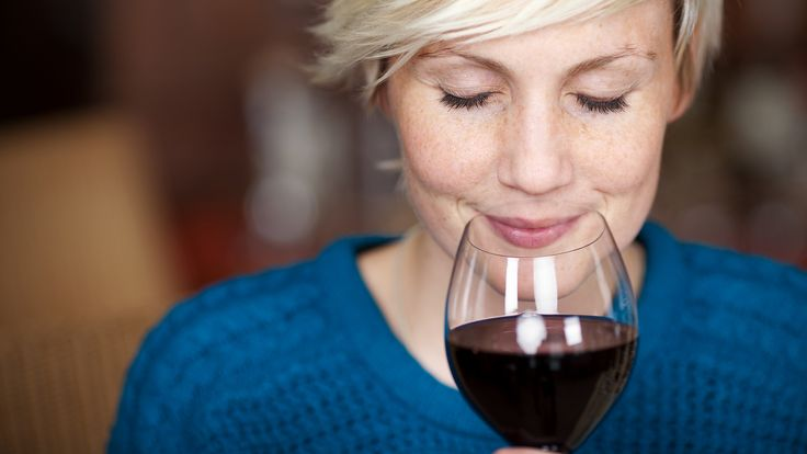 Al drink je maar één biertje of wijntje, alcohol vergroot de kans op kanker, dementie en hartaandoeningen. gezondNU geeft zes redenen om minder te drinken.