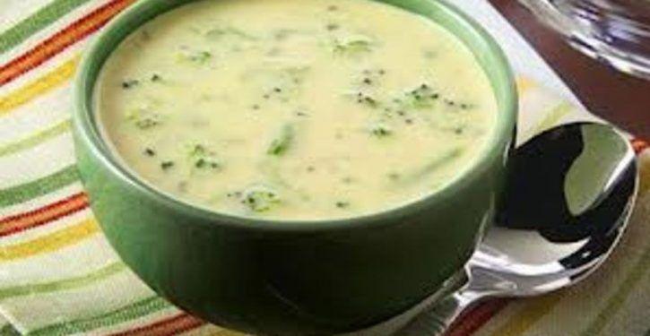 Recette : Une délicieuse soupe minceur au chou-fleur pour perdre des kilos cet hiver