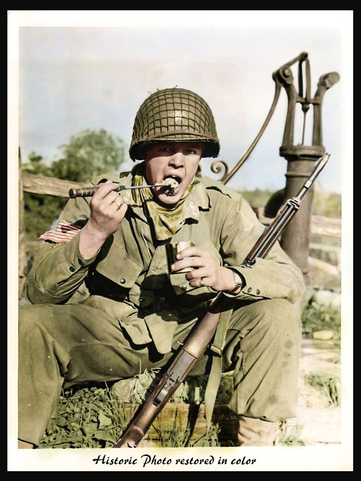 June 1944 A American Paratrooper 82nd Airborne Eats