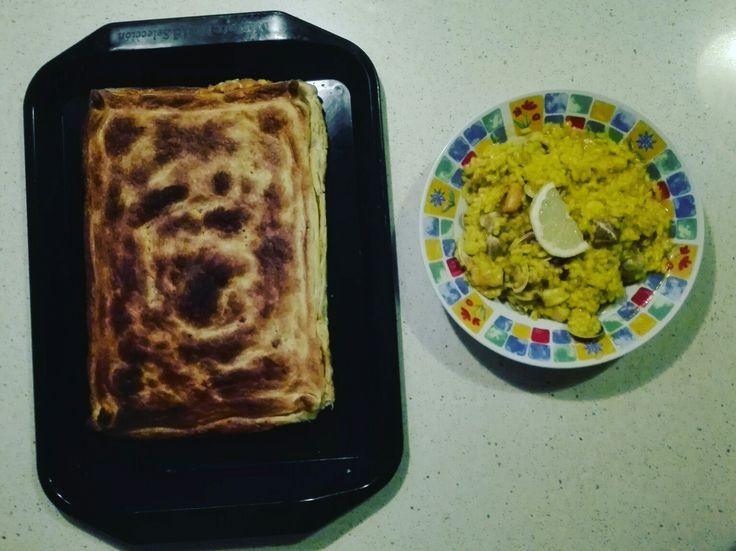 Paella y empanada. Más en mi snapchat 👻👻sandruska1982👻👻 Qué vais a almorzar??? Buen provecho #comidasana #comidarica #healthyfood #healthylunch #youtubermolona #youtuber #makeupsandy