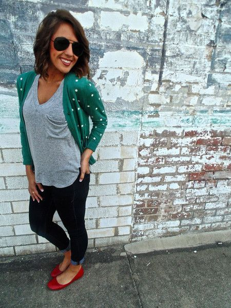 Love the sweet green cardigan. You can dress it down w basic T, skinny jeans and colorful flats in a contrasting color for a fun casual look...