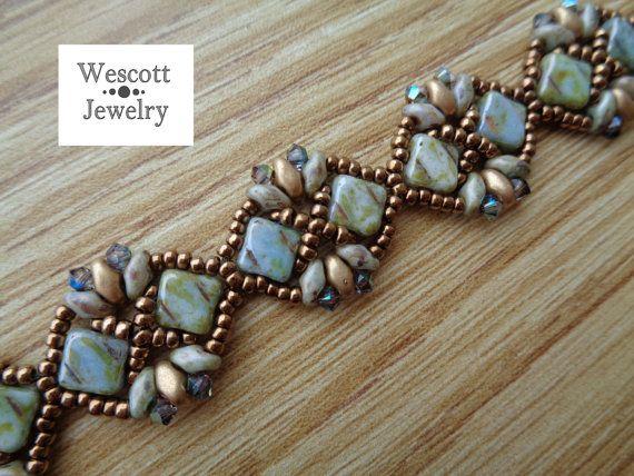 Patrón para la diadema pulsera con cuentas por WescottJewelry                                                                                                                                                                                 Más