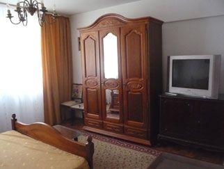 Inchiriez apartament 2 camere Sala Palatului, mobilat si utilat complet, decomandat. Vezi anuntul imobiliar pe site: www.anuntulimobiliar.ro