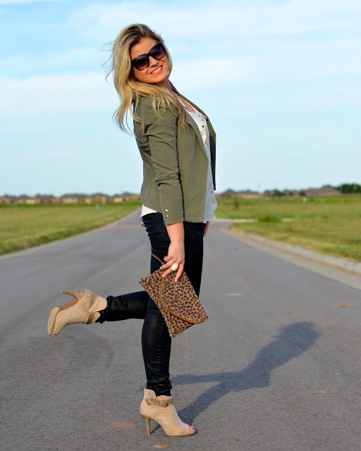 fall fashion || military green jacket, faux leather pants, suede boots